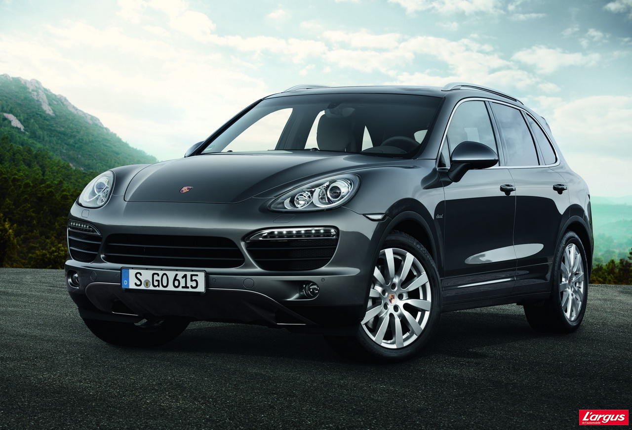porsche cayenne super diesel mondial de l 39 auto 2012. Black Bedroom Furniture Sets. Home Design Ideas