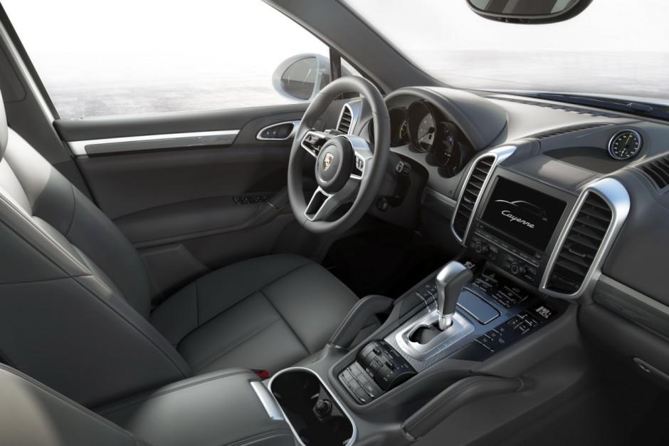 Porsche cayenne 2015 l ger restylage et nouveaux for Interieur porsche cayenne