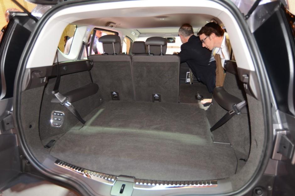 renault espace v photos et vid os espace 2015 au mondial de l 39 auto photo 25 l 39 argus. Black Bedroom Furniture Sets. Home Design Ideas