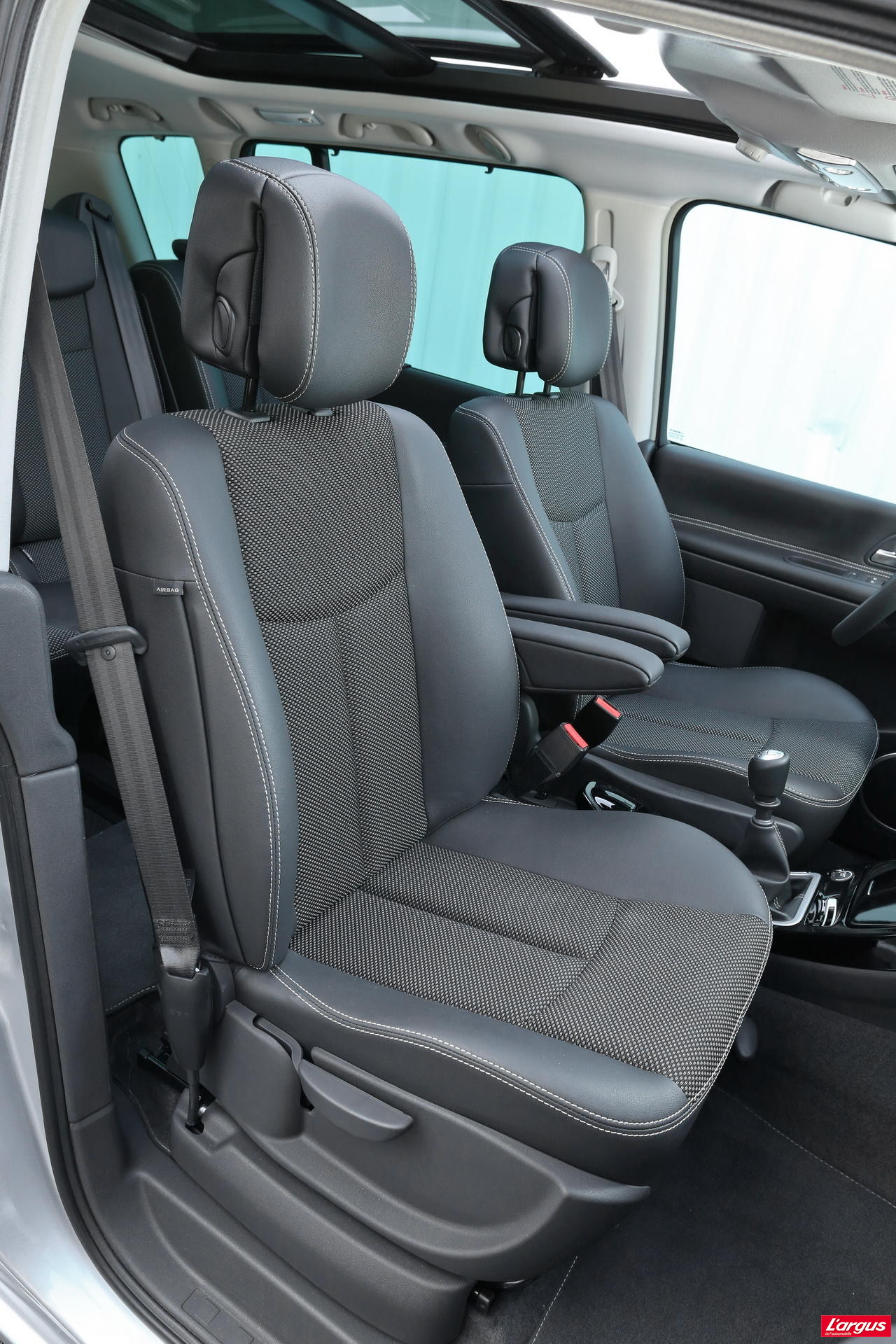 renault espace 4 toujours dans le coup photo 28 l 39 argus. Black Bedroom Furniture Sets. Home Design Ideas