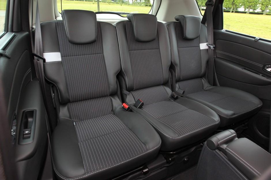 la nouvelle volkswagen golf sportsvan face au renault sc nic photo 24 l 39 argus. Black Bedroom Furniture Sets. Home Design Ideas