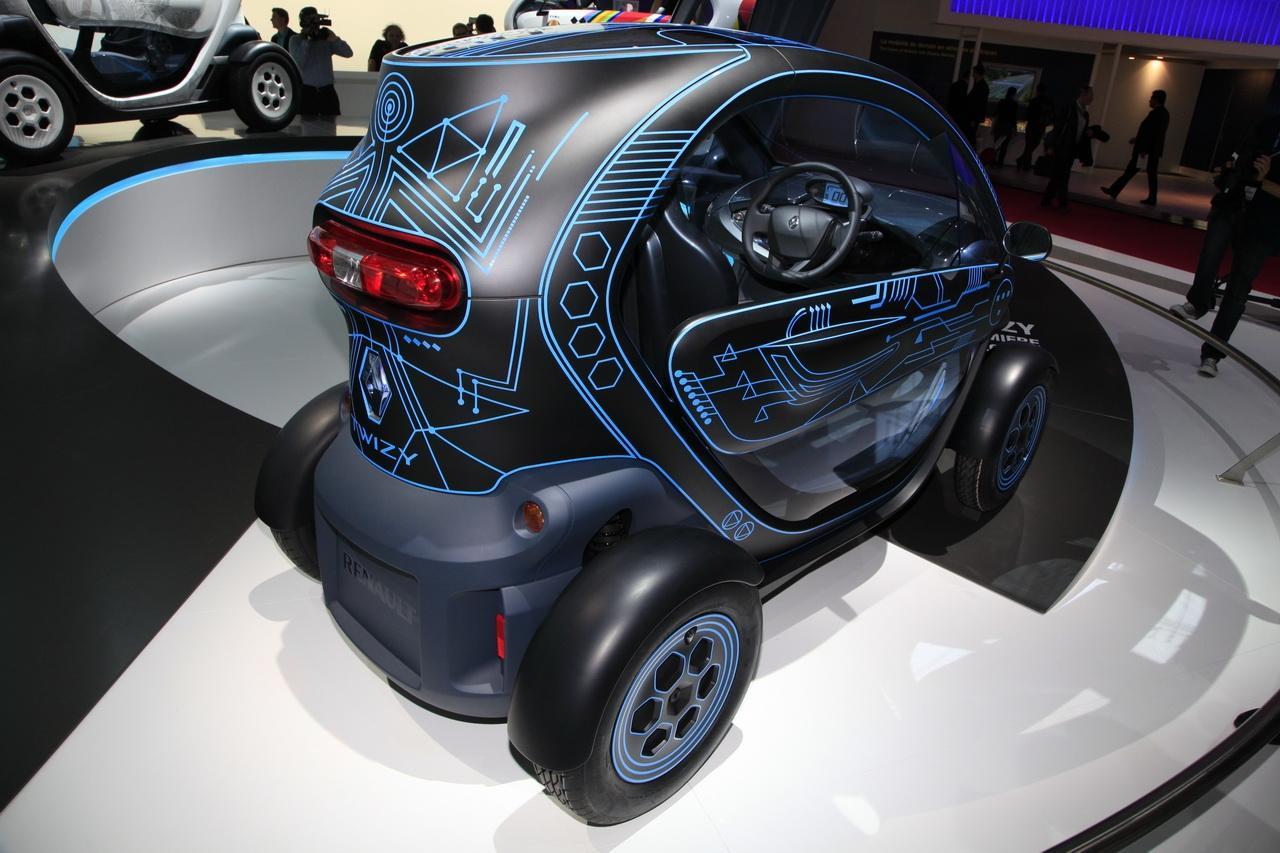 Scooter With Seat >> Renault Twizy ZE Concept : Entre deux mondes - Salon de l ...