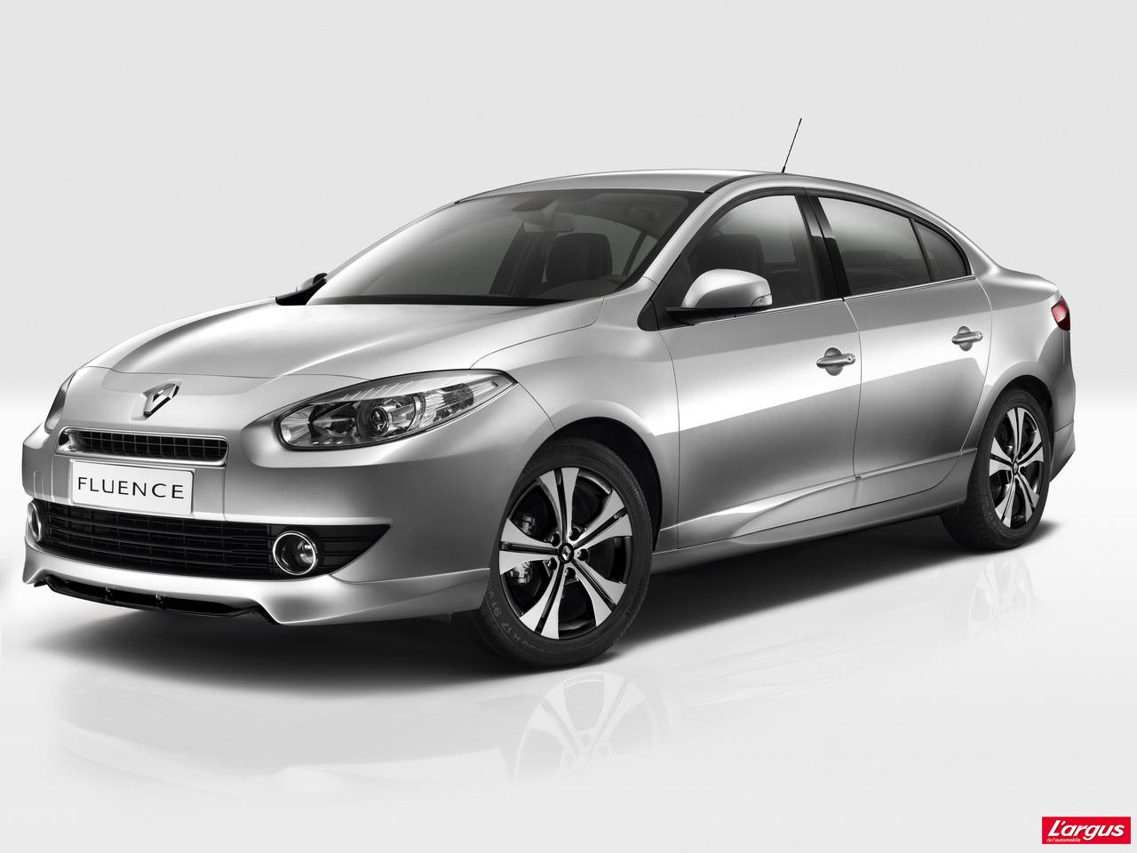 renault fluence s rie sp ciale black edition photo 1 l 39 argus. Black Bedroom Furniture Sets. Home Design Ideas