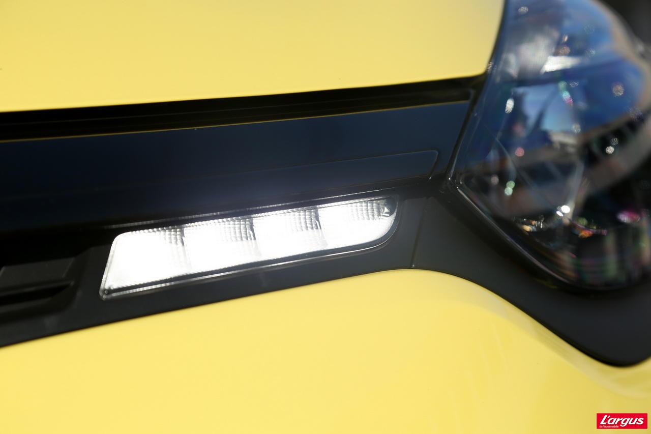 voiture neuve quelle renault clio iv acheter photo 19 l 39 argus. Black Bedroom Furniture Sets. Home Design Ideas