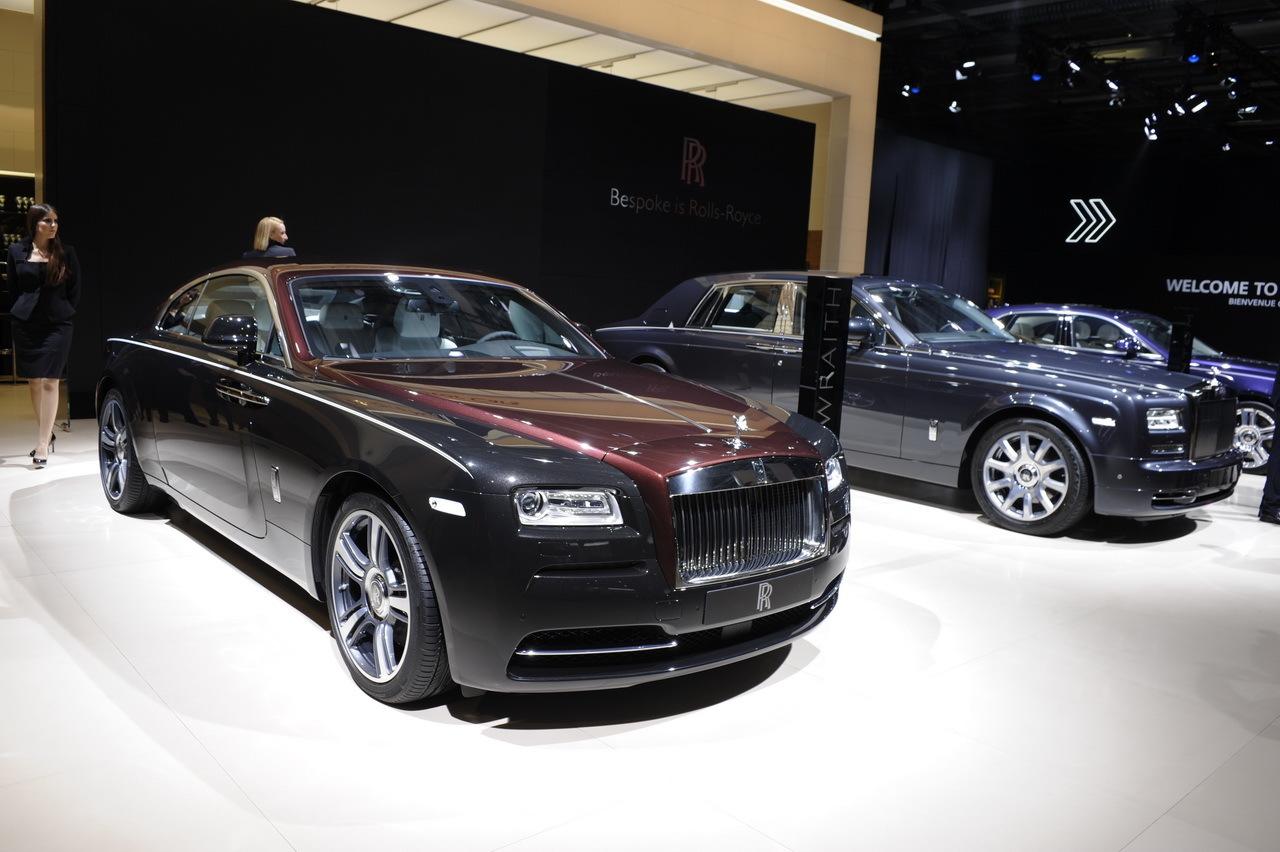 le stand rolls royce en majest au mondial de l 39 automobile paris l 39 argus. Black Bedroom Furniture Sets. Home Design Ideas