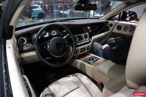 Rolls royce wraith la plus puissante et la plus belle for Interieur rolls royce