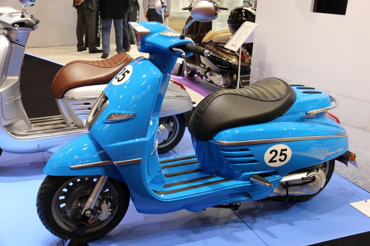 salon de la moto de paris 2013 peugeot django 125 l 39 argus. Black Bedroom Furniture Sets. Home Design Ideas