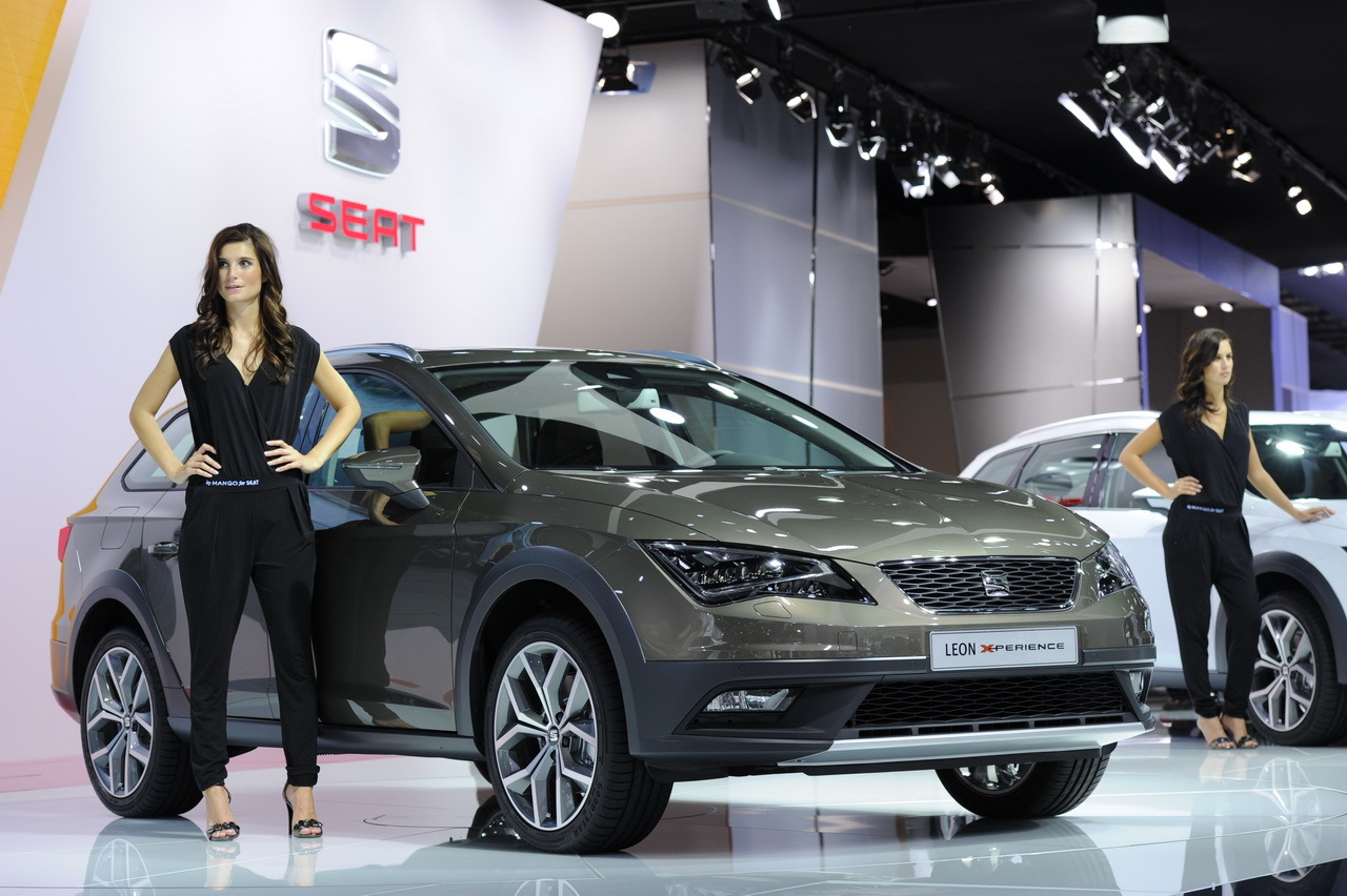 la seat leon x perience d voil e au salon de l 39 auto 2014 l 39 argus. Black Bedroom Furniture Sets. Home Design Ideas
