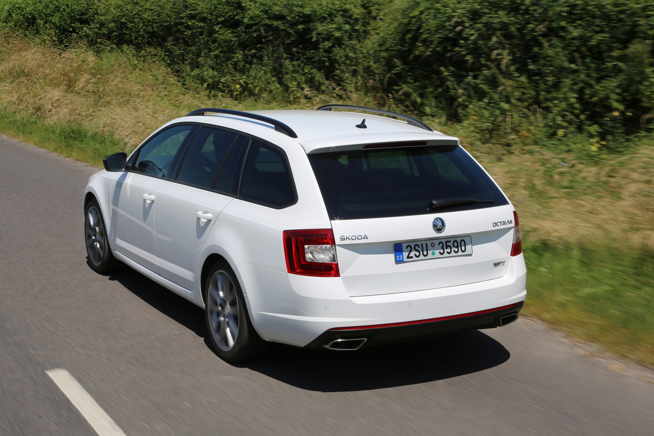 essai de la skoda octavia combi rs de 2013 photo 11 l 39 argus. Black Bedroom Furniture Sets. Home Design Ideas