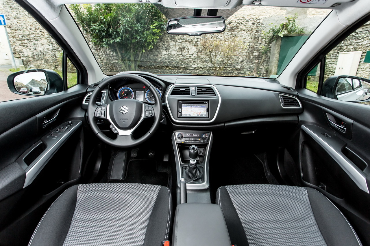 essai du suzuki sx4 s cross diesel 2013 l 39 argus. Black Bedroom Furniture Sets. Home Design Ideas