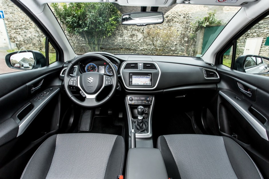 essai du suzuki sx4 s cross diesel 2013 photo 16 l 39 argus. Black Bedroom Furniture Sets. Home Design Ideas