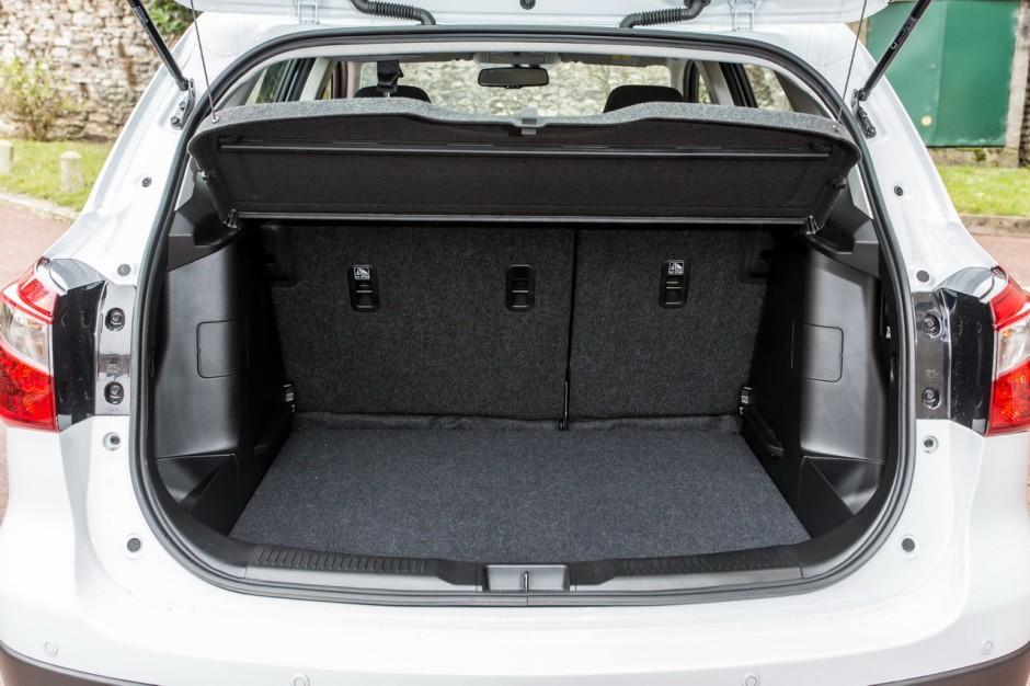 essai du suzuki sx4 s cross diesel 2013 photo 25 l 39 argus. Black Bedroom Furniture Sets. Home Design Ideas