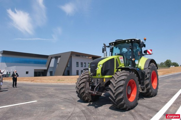 claas a inaugur son centre d 39 essais et de validation des tracteurs l 39 argus. Black Bedroom Furniture Sets. Home Design Ideas
