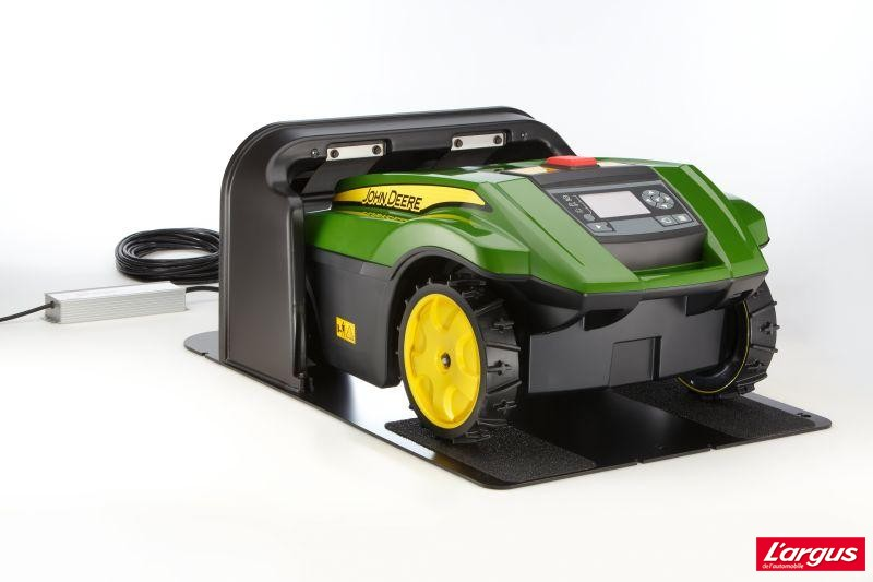 john deere tango e5 robot lawn mower car interior design. Black Bedroom Furniture Sets. Home Design Ideas