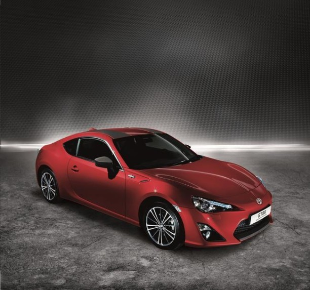 s rie limit e toyota gt86 carbon faites vite l 39 argus. Black Bedroom Furniture Sets. Home Design Ideas