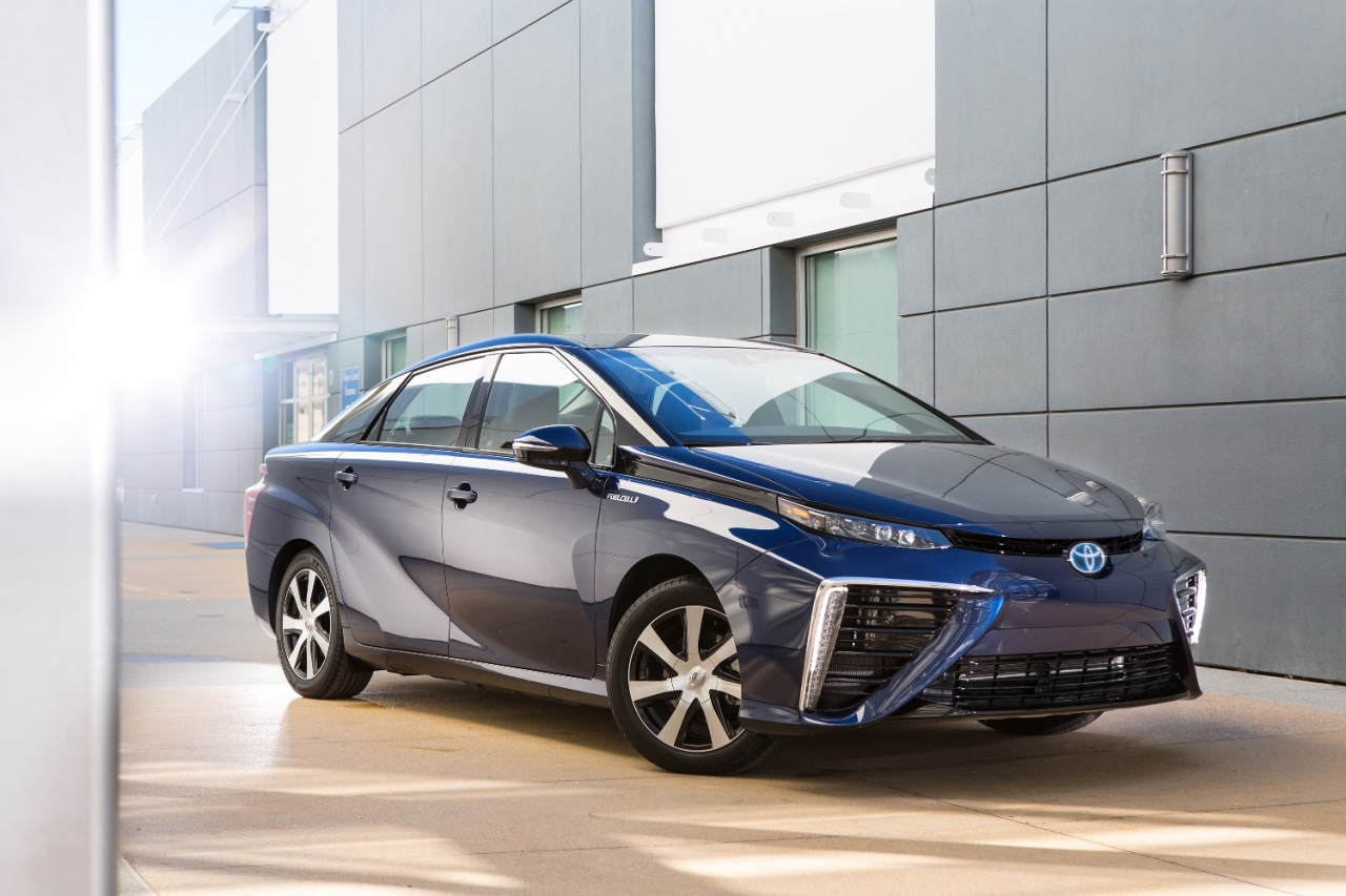 toyota lance mirai sa voiture pile combustible l 39 argus. Black Bedroom Furniture Sets. Home Design Ideas