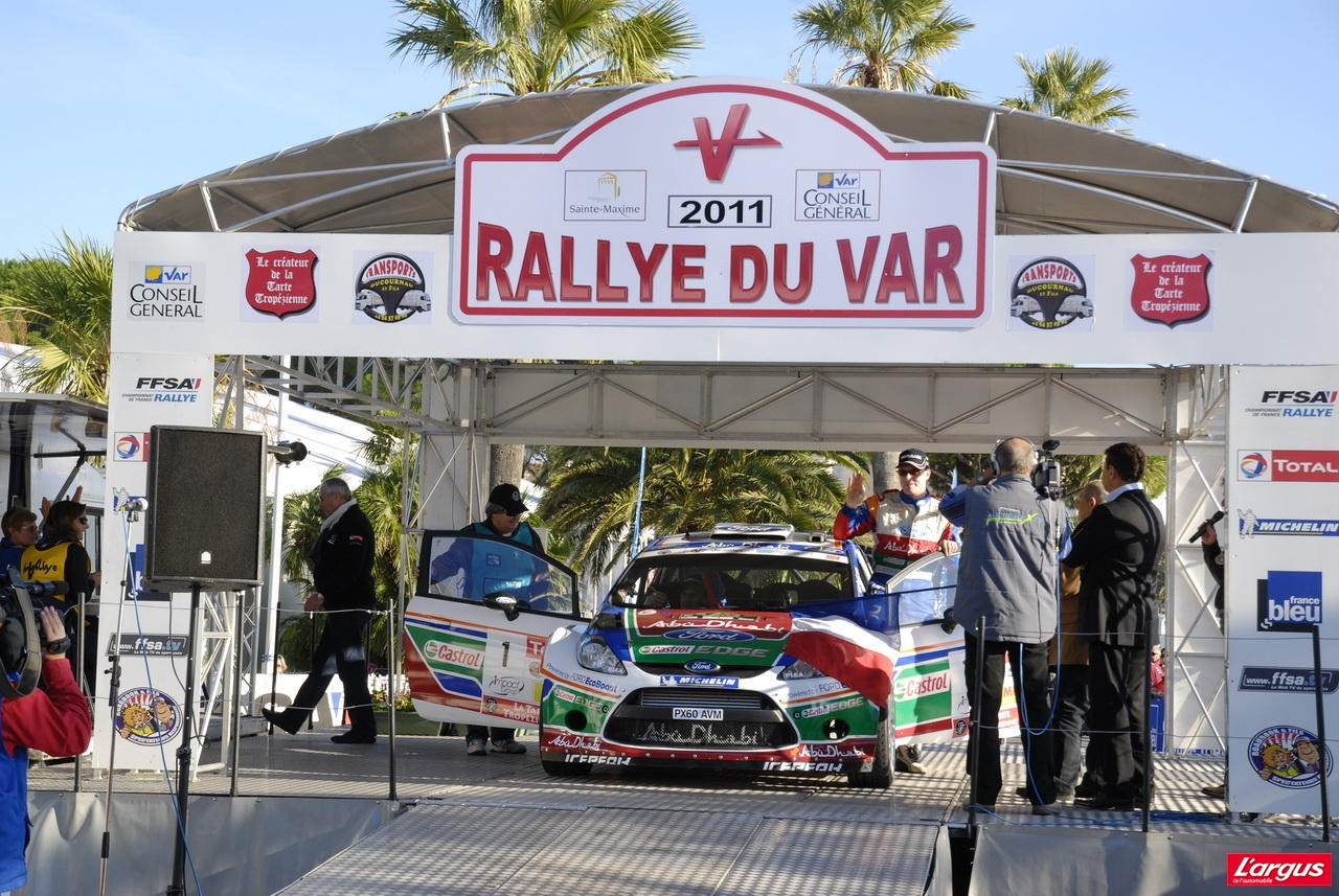 l 39 argus au rallye du var 2011 en twingo r1 photo 15 l 39 argus. Black Bedroom Furniture Sets. Home Design Ideas