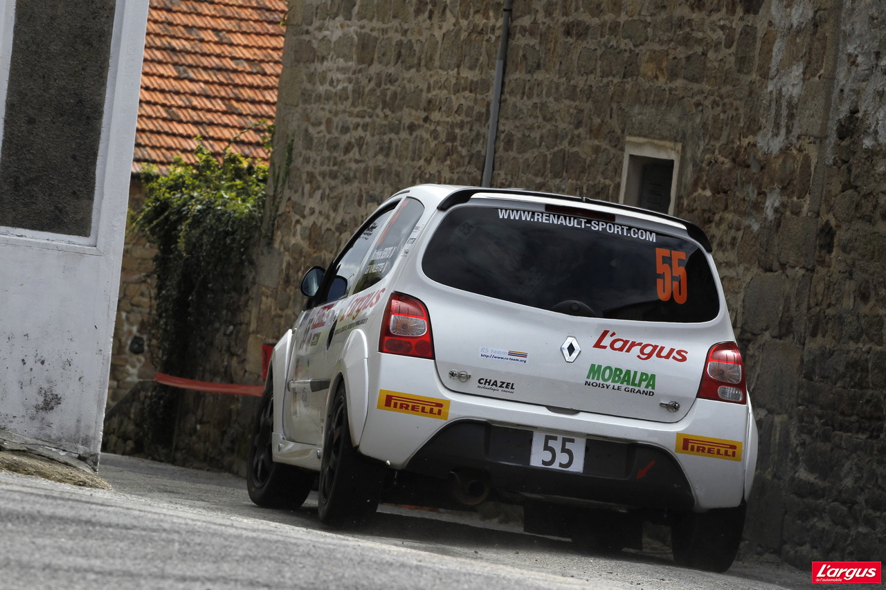 rallye du limousin 2013 l 39 argus sur le podium du troph e twingo r2 actus auto auto. Black Bedroom Furniture Sets. Home Design Ideas