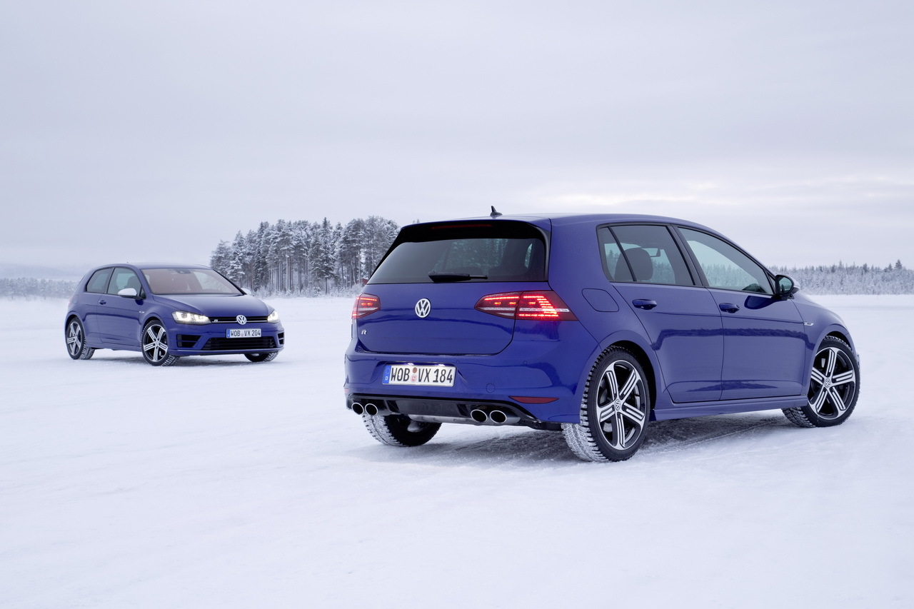 essai vid o de la volkswagen golf r 2014 sur glace l 39 argus. Black Bedroom Furniture Sets. Home Design Ideas