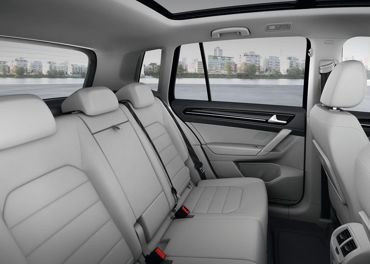 volkswagen golf sportsvan 2014 la gamme et les prix photo 7 l 39 argus. Black Bedroom Furniture Sets. Home Design Ideas