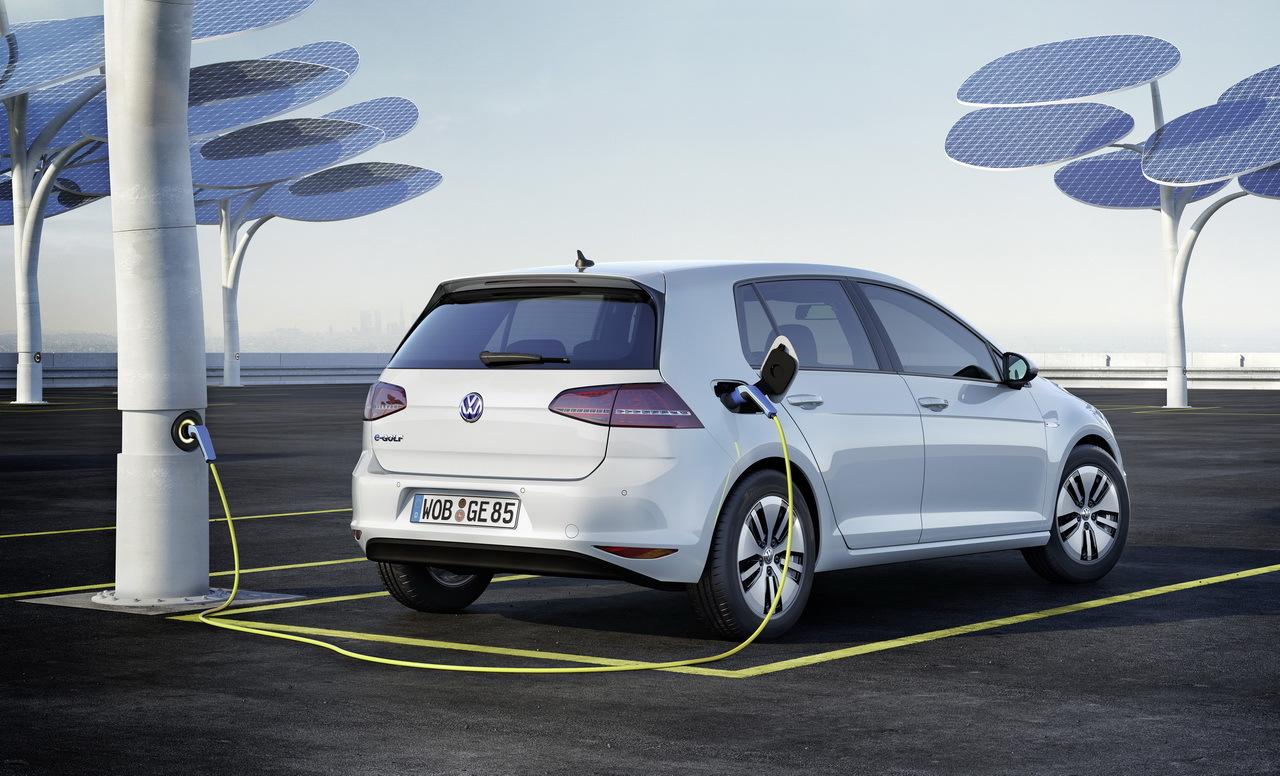 Volkswagen-e-Golf-electrique-2014_32