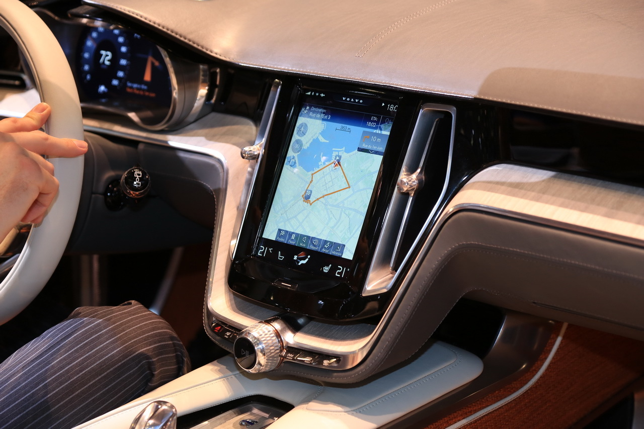 avec carplay volvo int gre apple bord salon de gen ve 2014. Black Bedroom Furniture Sets. Home Design Ideas