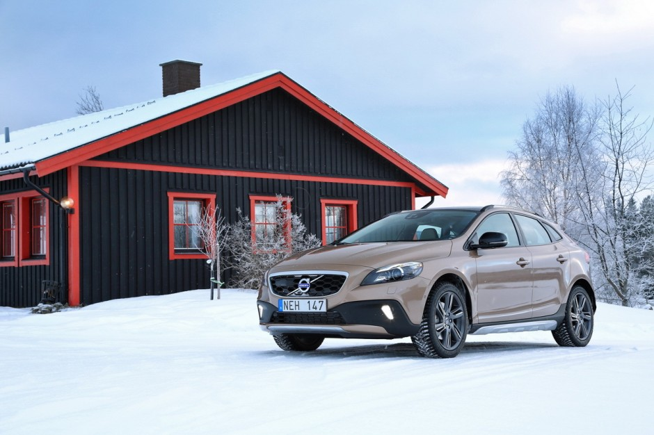essai volvo v40 cross country le d4 190 ch l 39 essai photo 13 l 39 argus. Black Bedroom Furniture Sets. Home Design Ideas
