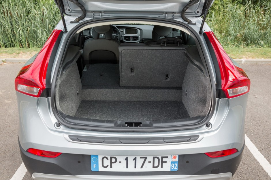 la volvo v40 cross country d3 l 39 essai photo 29 l 39 argus. Black Bedroom Furniture Sets. Home Design Ideas