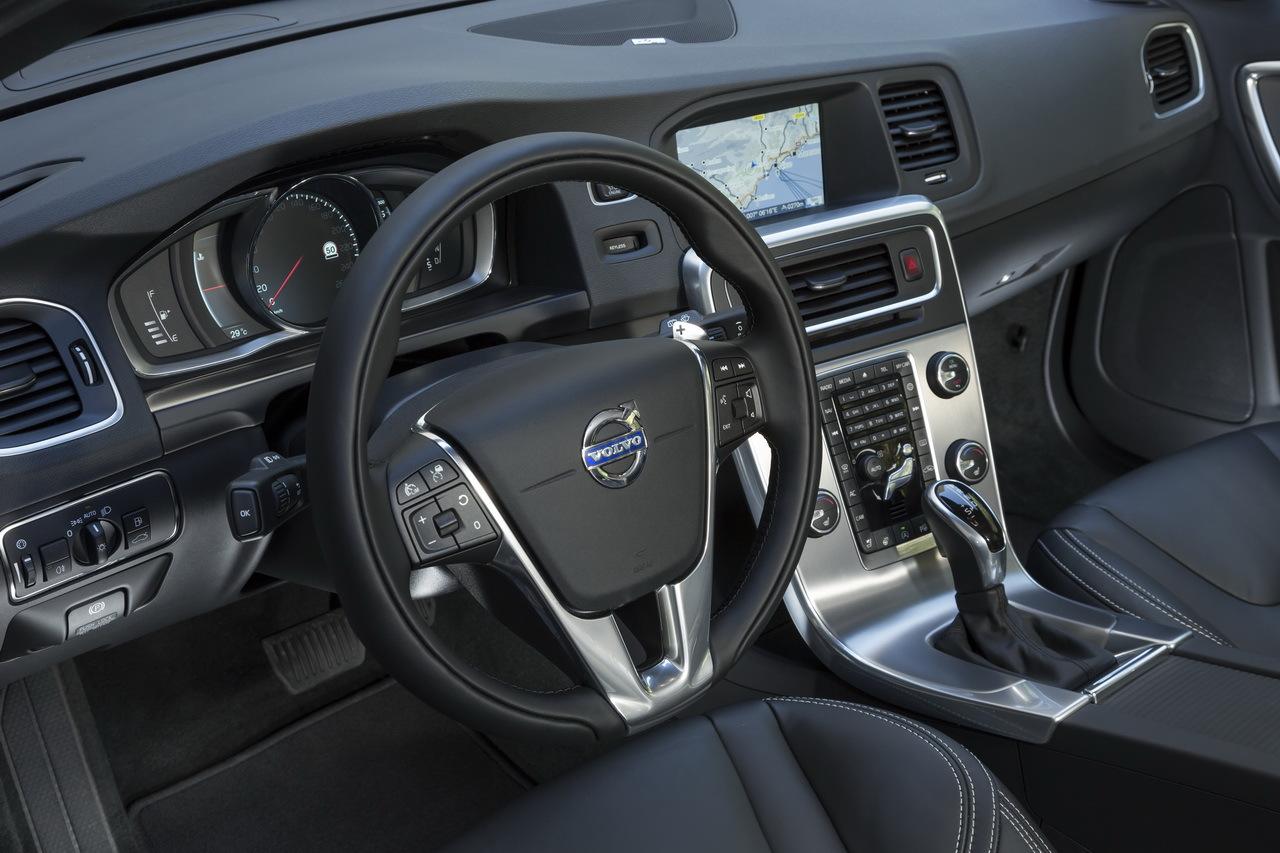 Essai De La Nouvelle Volvo V60 D4 224 Quatre Cylindres L Argus