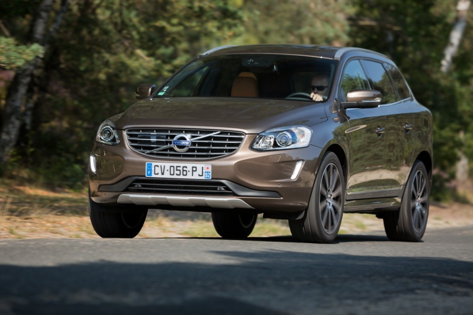 essai du volvo xc60 d4 2014 une deuxi me jeunesse photo 6 l 39 argus. Black Bedroom Furniture Sets. Home Design Ideas