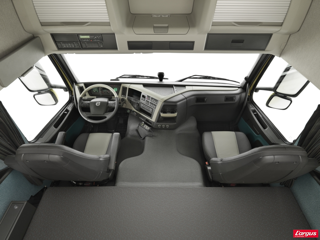 volvo trucks pr sente son nouveau fm photo 1 l 39 argus. Black Bedroom Furniture Sets. Home Design Ideas