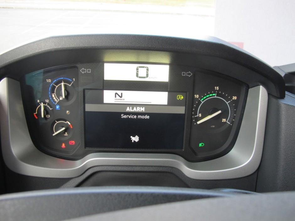 Premier essai de la gamme t de renault trucks photo 5 for Renault gamme t interieur