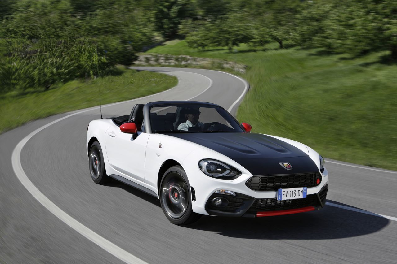 essai abarth 124 spider 2016 choisis ton camp camarade photo 4 l 39 argus. Black Bedroom Furniture Sets. Home Design Ideas