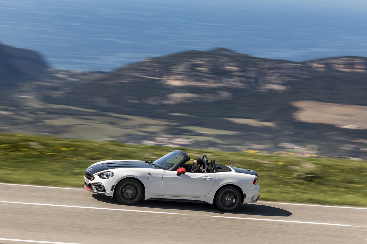 essai abarth 124 spider notre avis sur la bo te automatique photo 22 l 39 argus. Black Bedroom Furniture Sets. Home Design Ideas