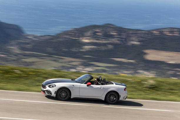 essai abarth 124 spider notre avis sur la bo te automatique l 39 argus. Black Bedroom Furniture Sets. Home Design Ideas