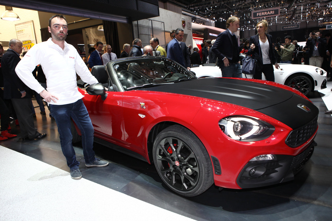 gen ve 2016 fiat abarth 124 spider 170 ch pour 40 000 l 39 argus. Black Bedroom Furniture Sets. Home Design Ideas