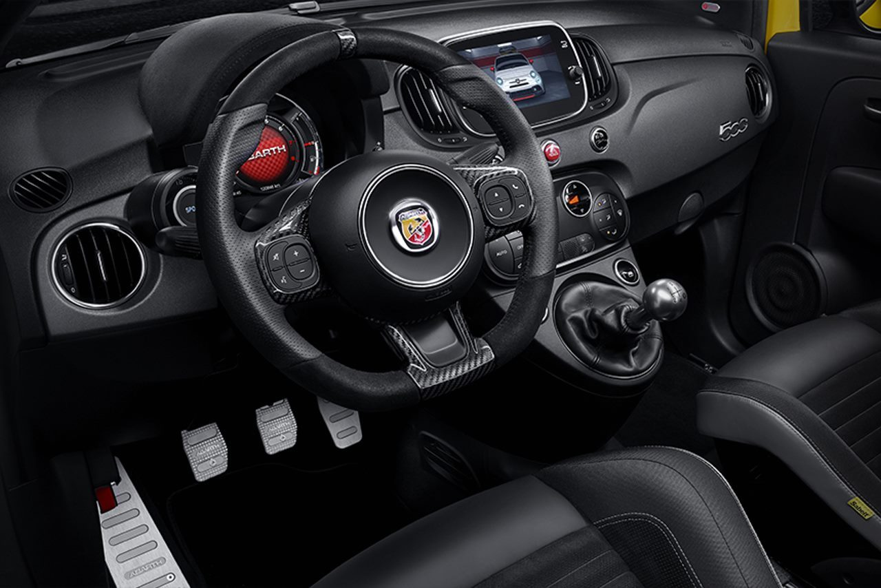 nouvelle abarth 595 une fiat 500 encore plus virile photo 4 l 39 argus. Black Bedroom Furniture Sets. Home Design Ideas