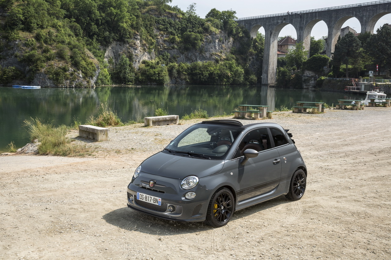 essai abarth 595c competizione 2015 un cabriolet gti de poche photo 4 l 39 argus. Black Bedroom Furniture Sets. Home Design Ideas