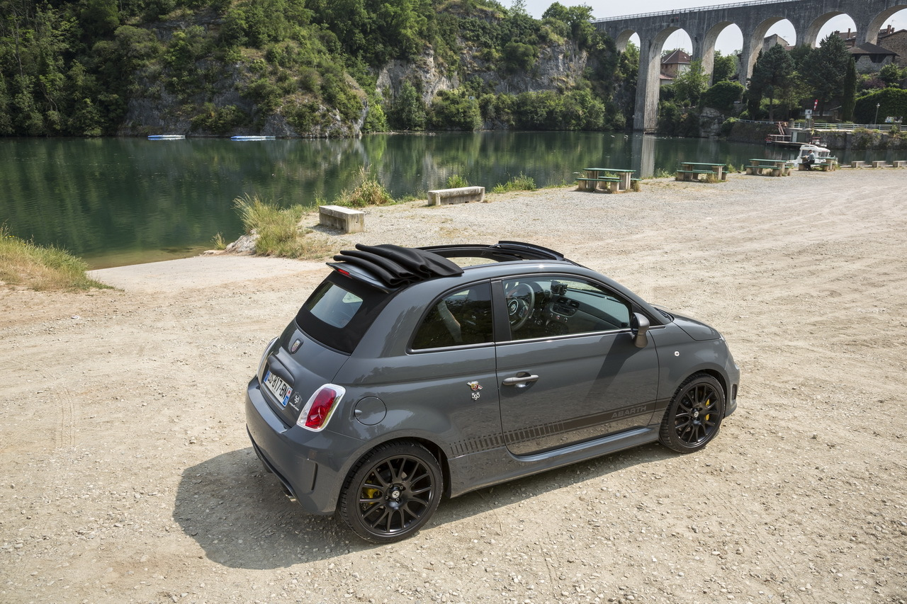 essai abarth 595c competizione 2015 un cabriolet gti de poche photo 6 l 39 argus. Black Bedroom Furniture Sets. Home Design Ideas