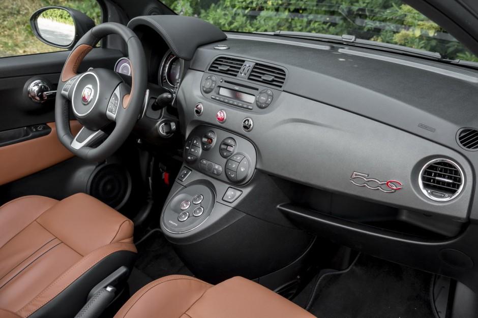 essai abarth 595c competizione 2015 un cabriolet gti de poche photo 39 l 39 argus. Black Bedroom Furniture Sets. Home Design Ideas