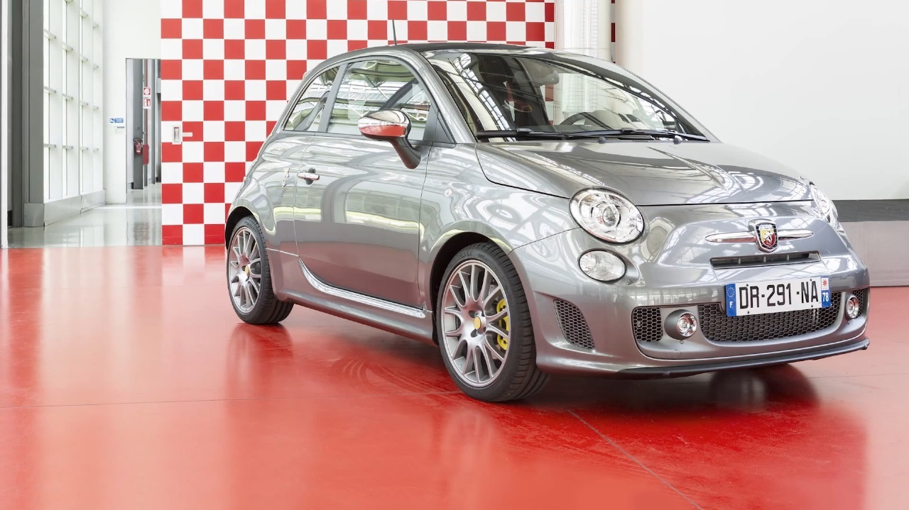 abarth 595 the good life une s rie tr s limit e au prix de 25 900 l 39 argus. Black Bedroom Furniture Sets. Home Design Ideas