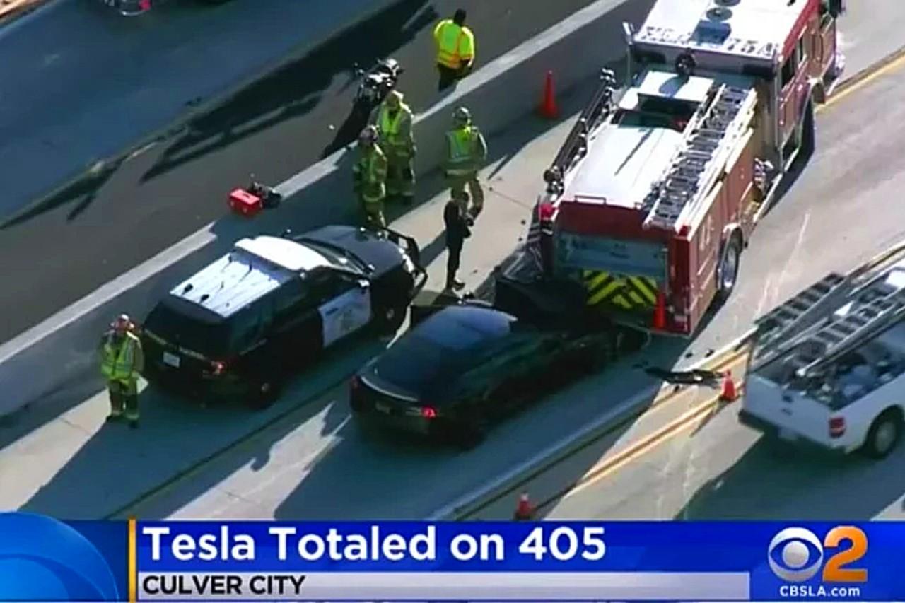 Accident avec l'Autopilot Tesla. L'imprudence des conducteurs en cause