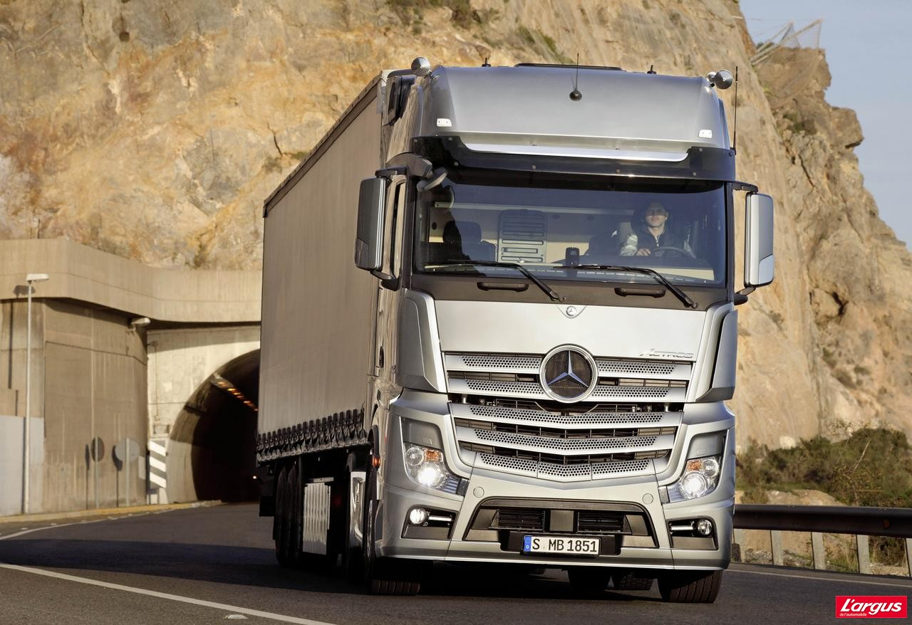 et voici le nouveau mercedes actros l 39 argus. Black Bedroom Furniture Sets. Home Design Ideas