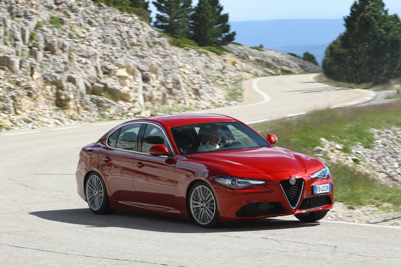 essai alfa romeo giulia vs bmw s rie 3 choc au sommet photo 18 l 39 argus. Black Bedroom Furniture Sets. Home Design Ideas