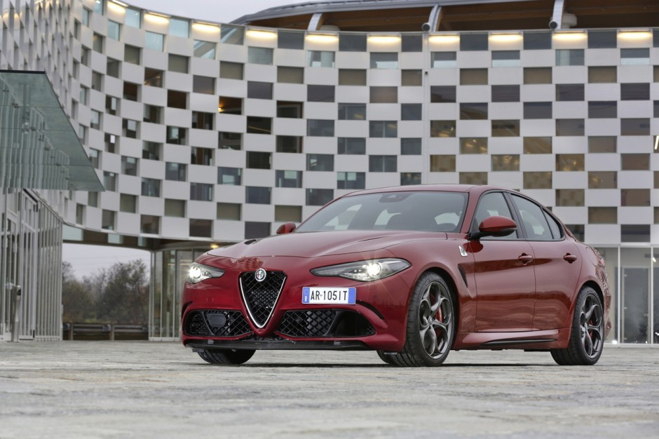 essai alfa romeo giulia quadrifoglio premier contact avec ses 510 ch photo 15 l 39 argus. Black Bedroom Furniture Sets. Home Design Ideas