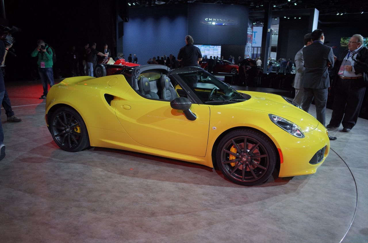 alfa romeo 4c spider 2015 en direct de detroit photo 12 l 39 argus. Black Bedroom Furniture Sets. Home Design Ideas