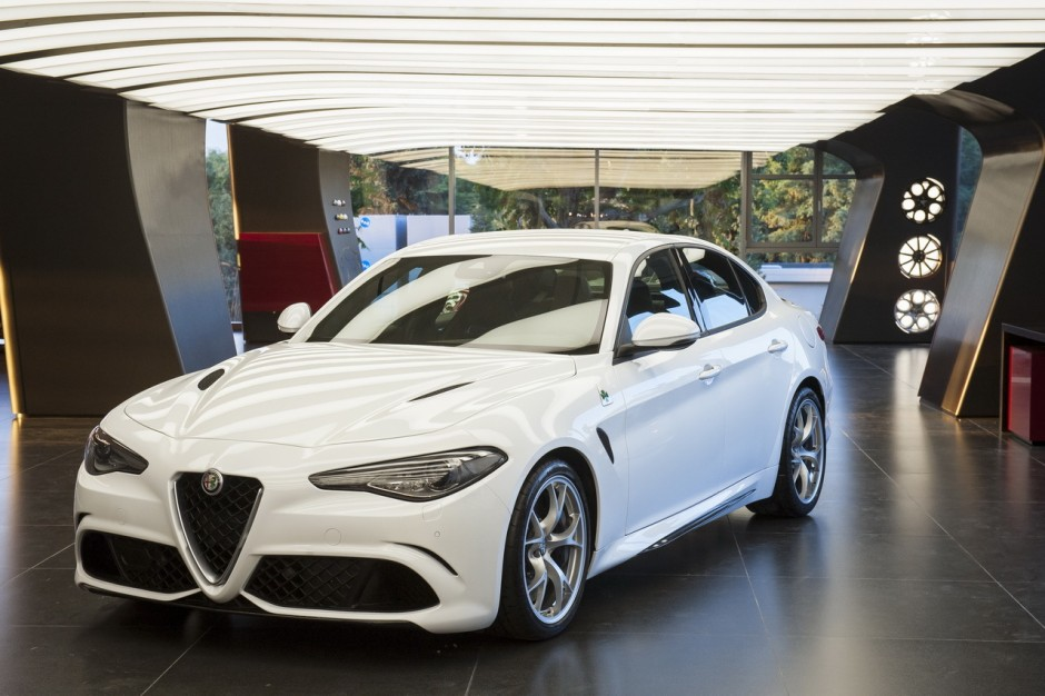 nouvelle alfa romeo giulia 2015 ultra performante en quadrifoglio photo 1 l 39 argus. Black Bedroom Furniture Sets. Home Design Ideas