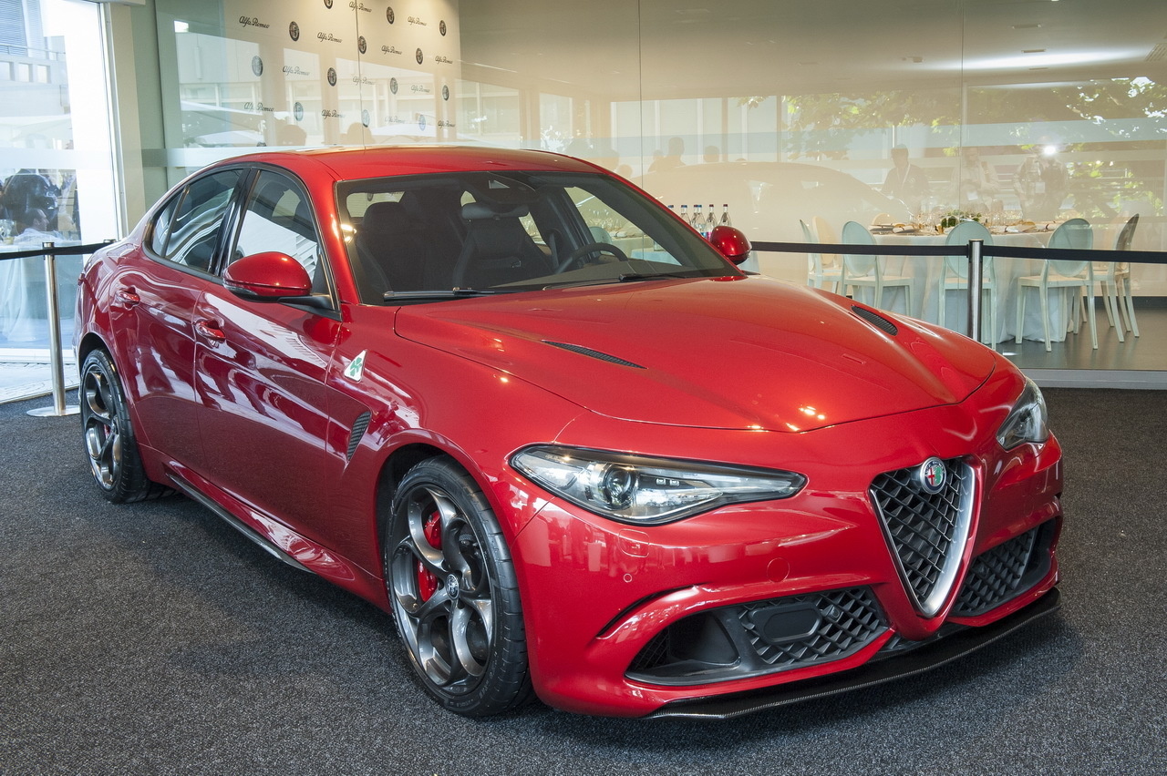 nouvelle alfa romeo giulia 2015 ultra performante en quadrifoglio photo 15 l 39 argus. Black Bedroom Furniture Sets. Home Design Ideas
