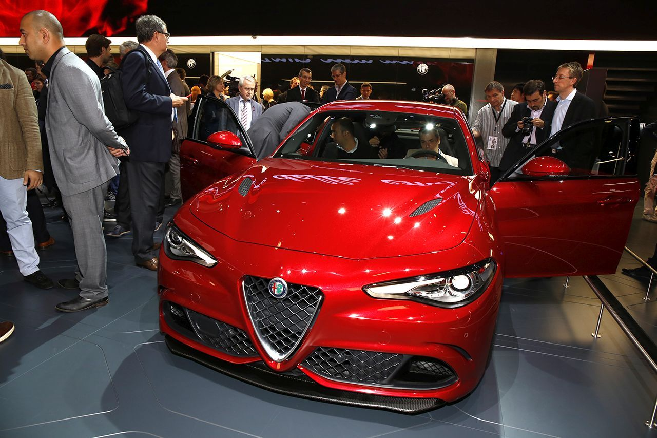 prix alfa romeo giulia qv 2015 les prix et les photos d 39 int rieur photo 7 l 39 argus. Black Bedroom Furniture Sets. Home Design Ideas