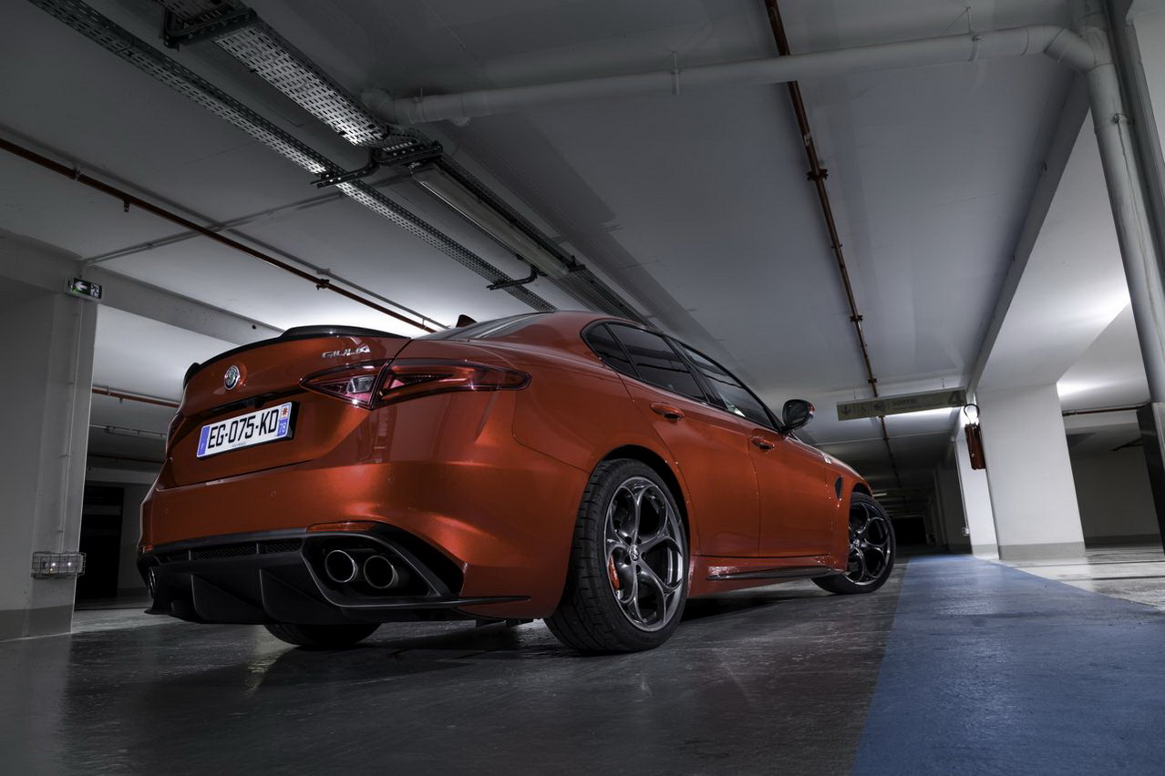 essai alfa giulia quadrifoglio le test au n rburgring et sur autobahn photo 15 l 39 argus. Black Bedroom Furniture Sets. Home Design Ideas